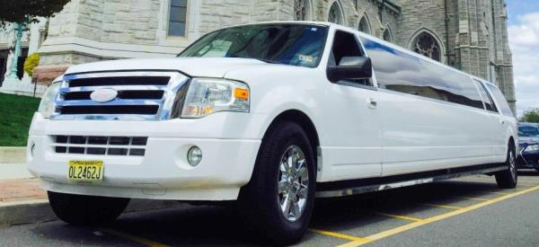 Enjoy the Experience With a Wayne to EWR Executive Limo